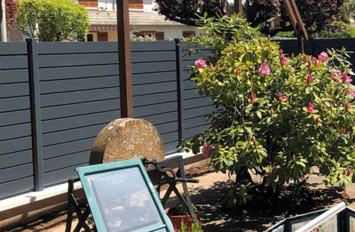 Les clôtures treillis ou lame pvc, bois et alu